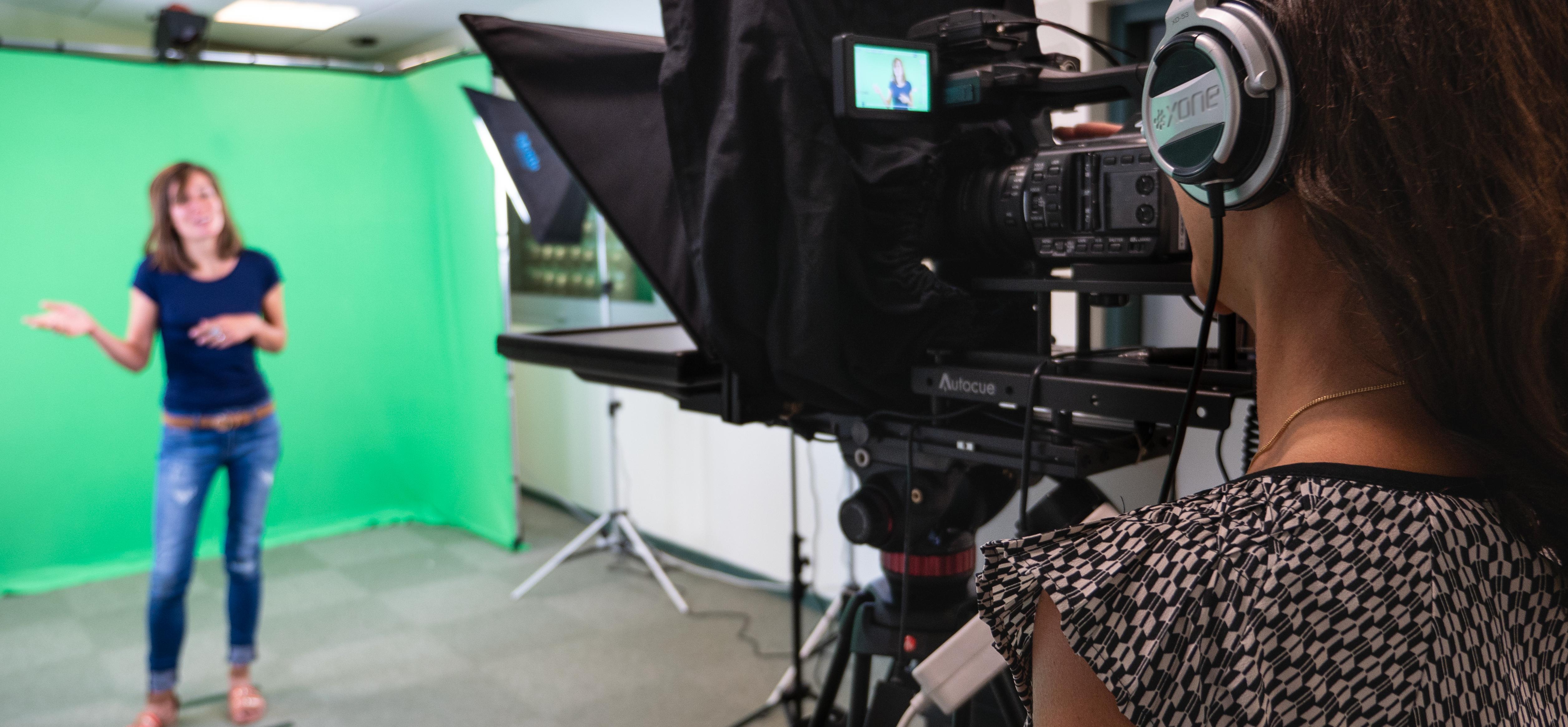 Tournage d'une vidéo pédagogique dans le studio DAPI